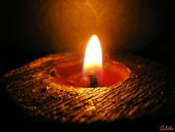 когда зжигаете свечи, подумайте о близких